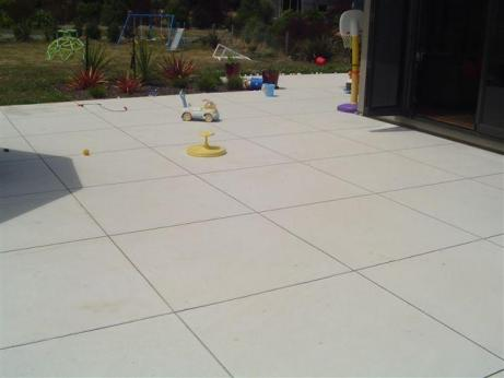 how to cut concrete pavers with a chisel